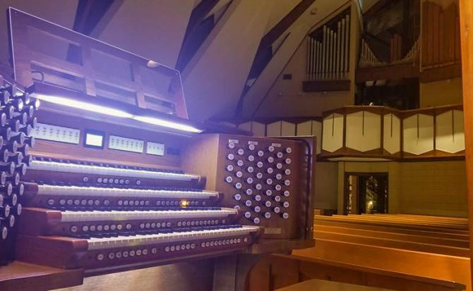 banner A new Infinity 484 organ at the Lutheran Church of Our Saviour, Greenville, SC!